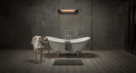 blade_silver_bathroom